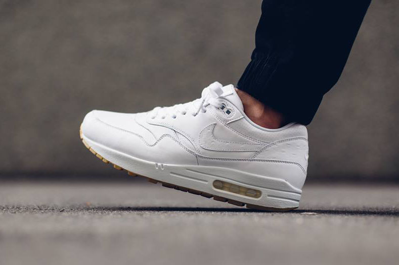 buy online 50dda a346c Nike Air Max 1 Leather
