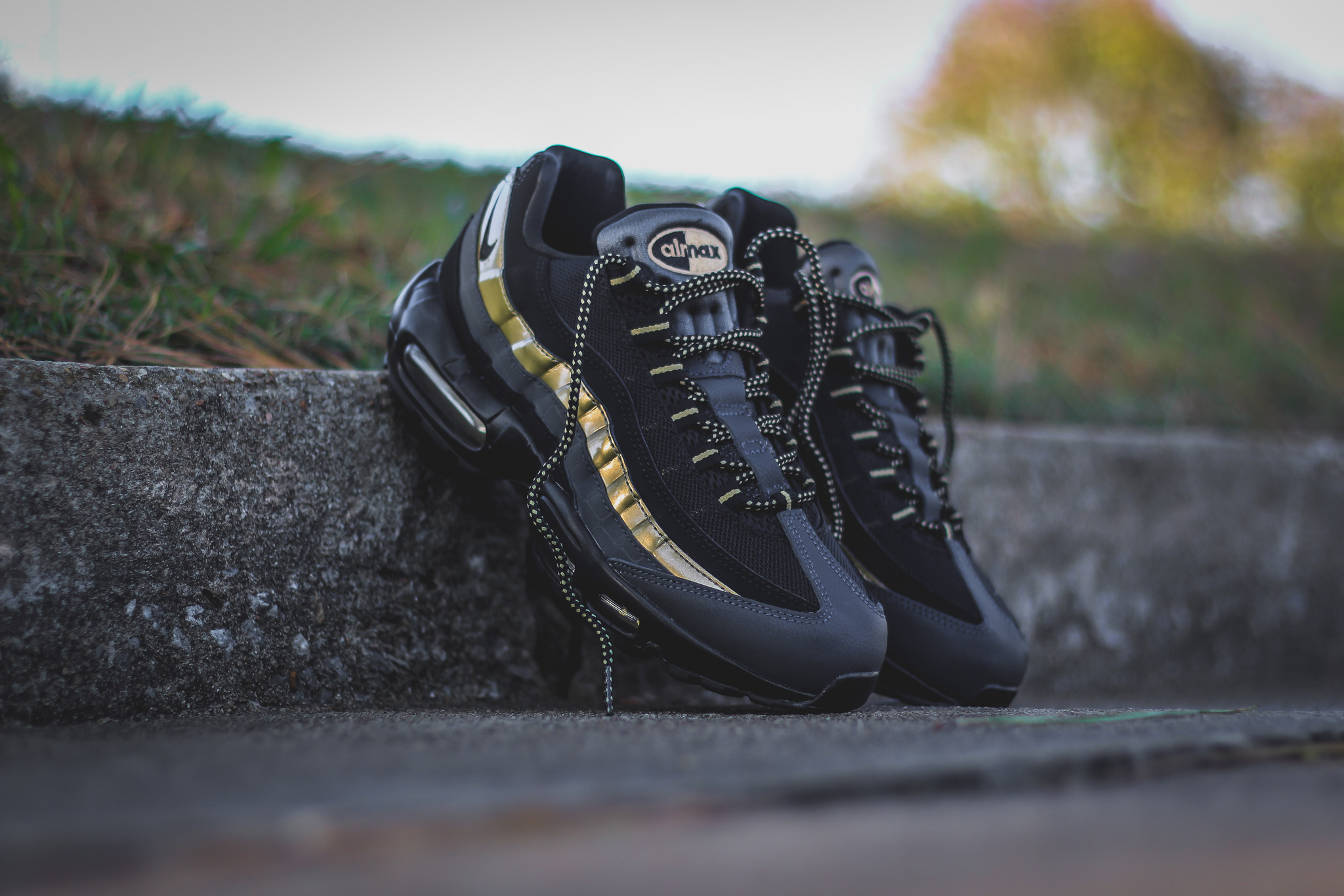 lanzador Pais de Ciudadania pastor  Nike Air Max 95 PRM Metallic Gold - Kicks Links