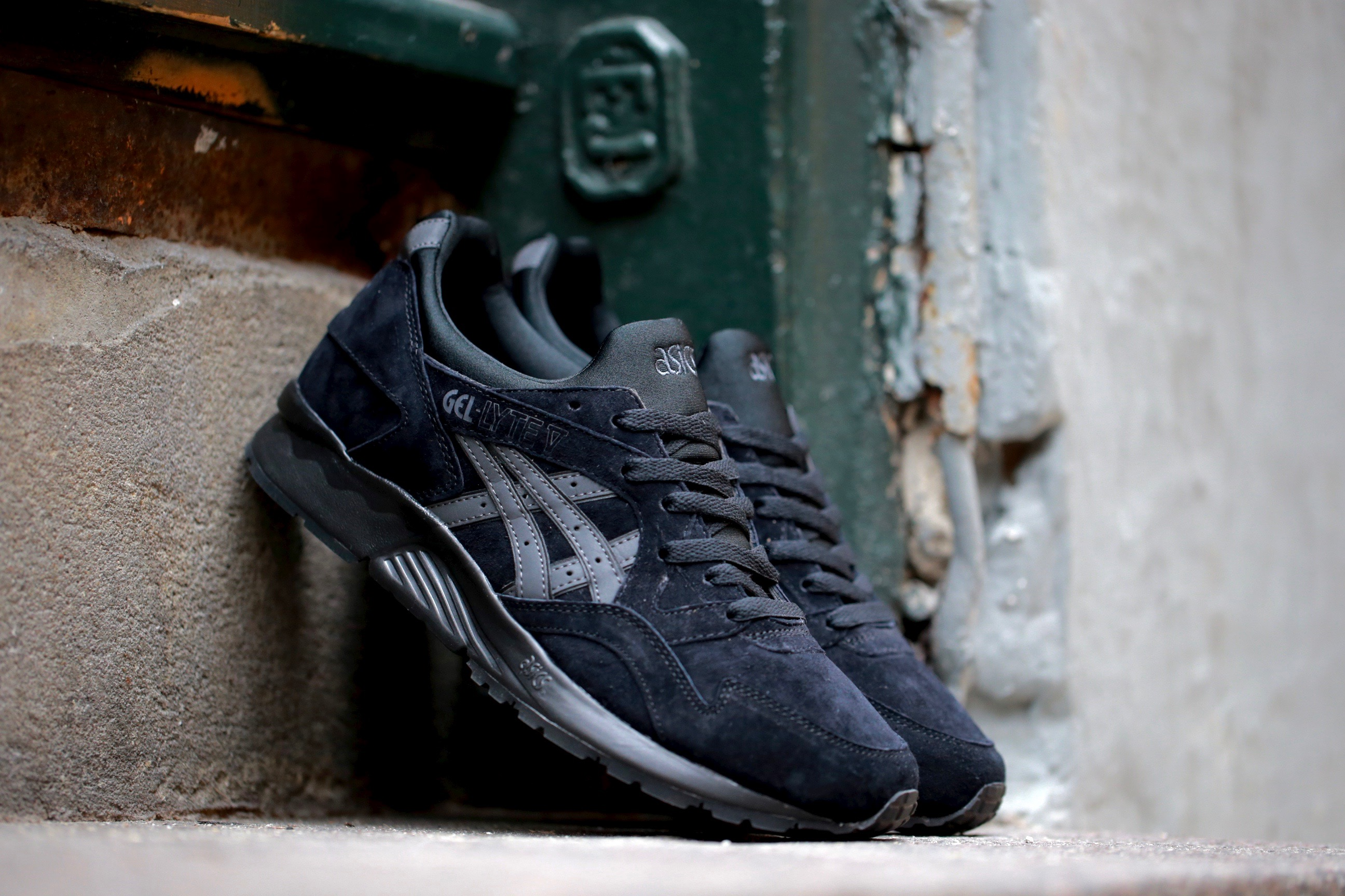 low priced fc234 0534e Asics Gel Lyte V Black Suede - Kicks Links