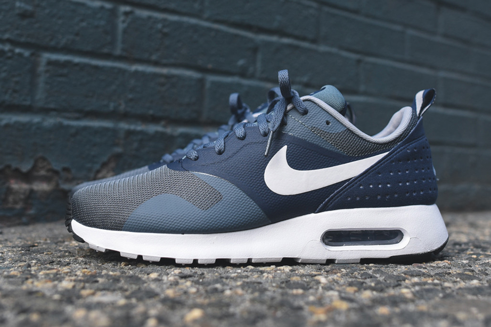 promo code aa7a3 16aa1 Nike Air Max Tavas Midnight Navy