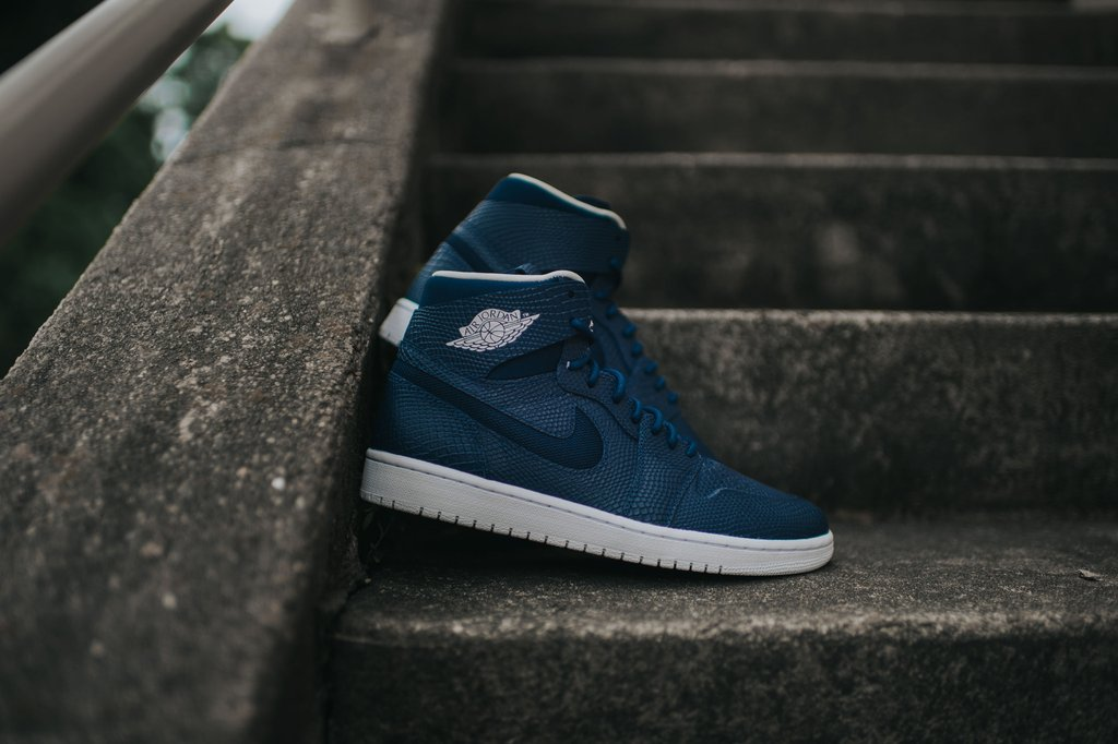 Air Jordan 1 High Nouveau Mid Navy