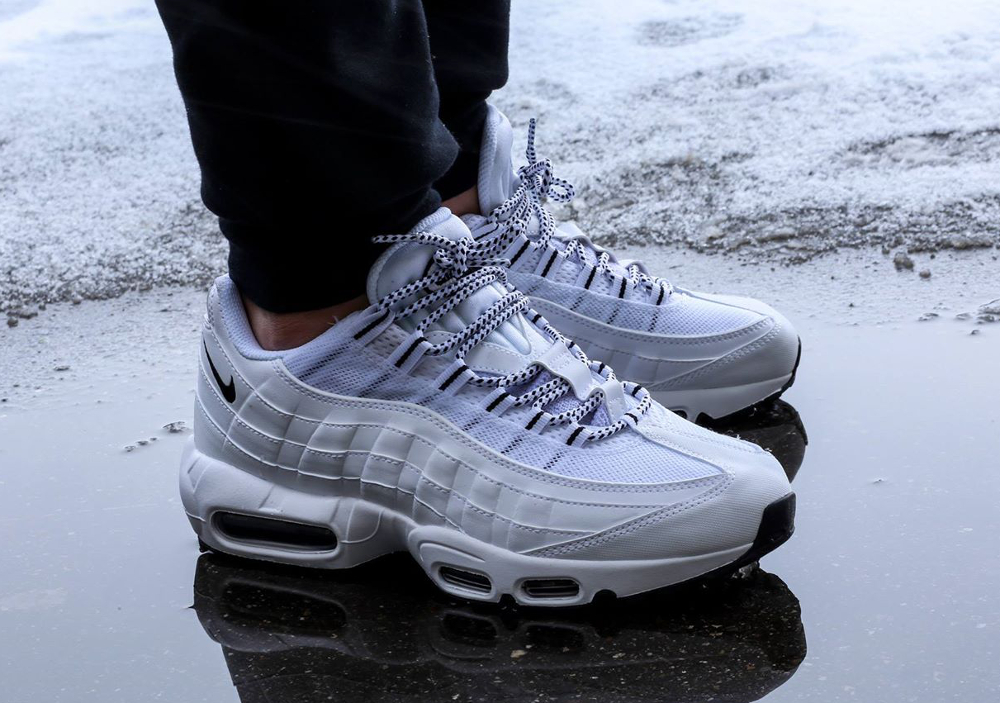 plus récent a4eff 4f6bd Nike Air Max 95 White/Black - Kicks Links