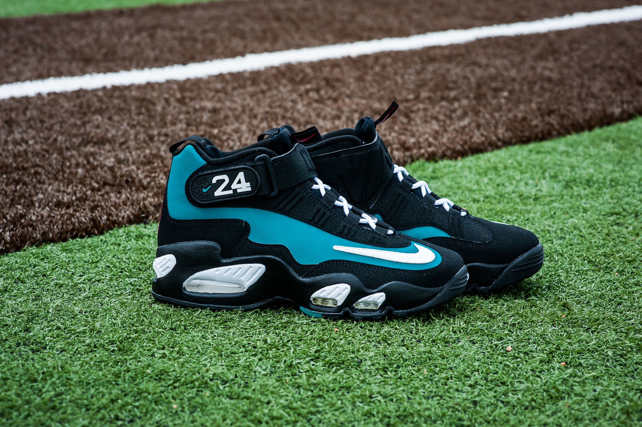 Nike Air Griffey Max 1 Freshwater 2016 | SneakerFiles