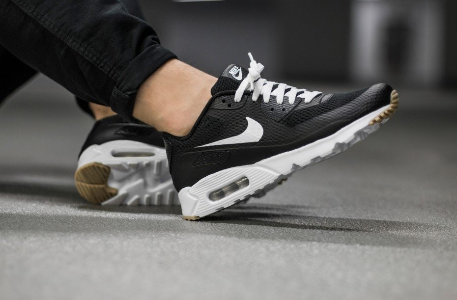 Nike Air Max 90 Ultra Essential BlackWhite Gum Kicks Links