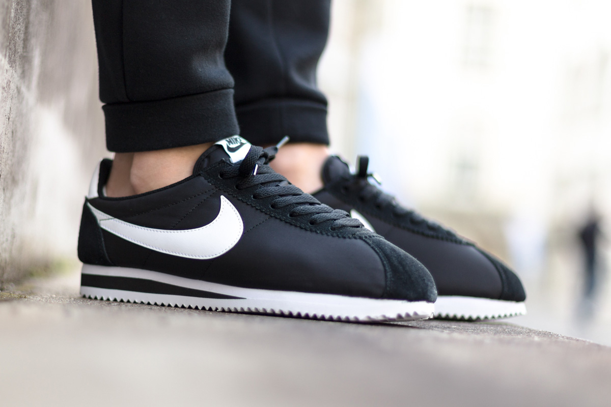 Nike Cortez Nylon Black White - Kicks Links 88734555b