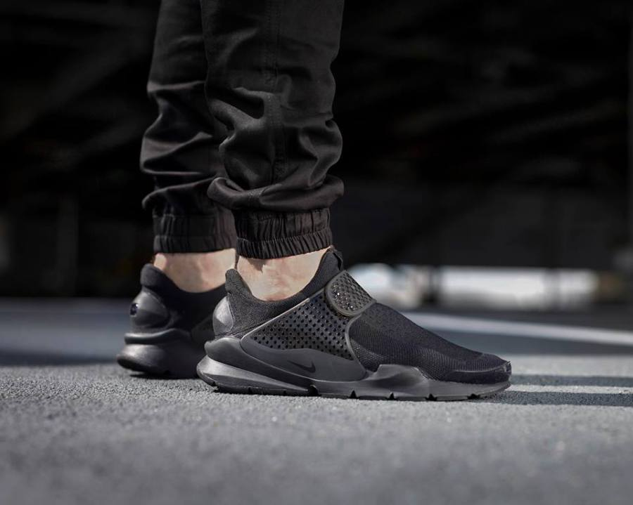meet 1a83e b9736 Nike Sock Dart Triple Black - Kicks Links
