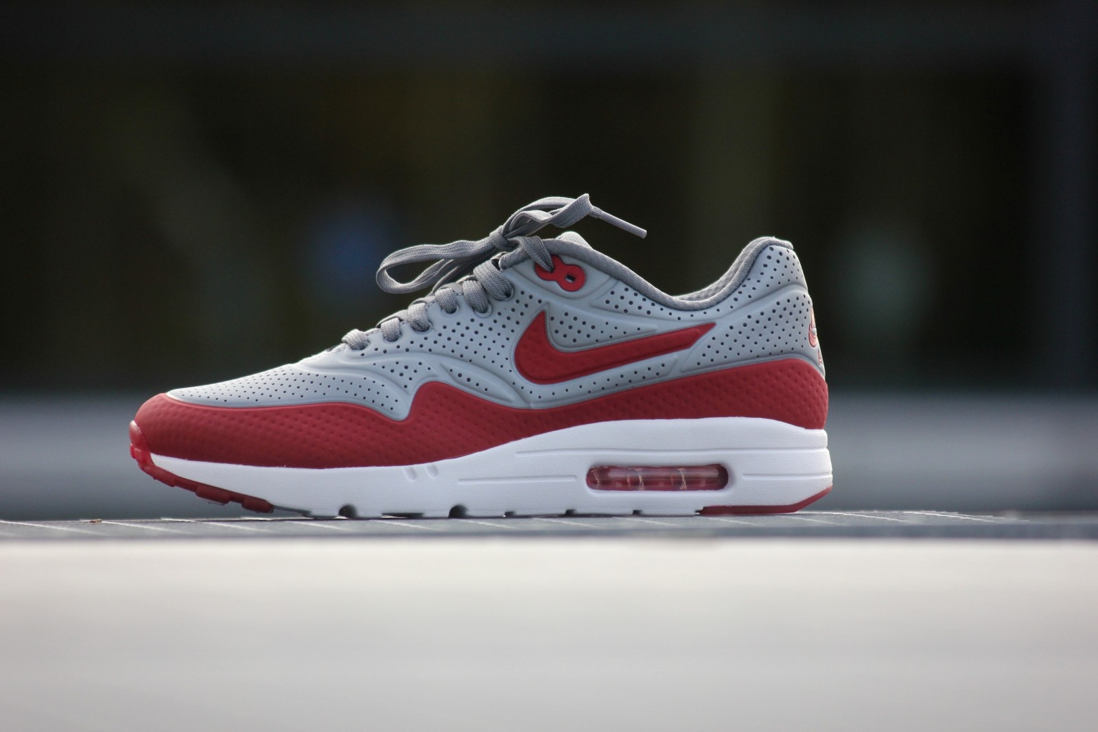 new arrival 05008 5b473 Nike Air Max 1 Ultra Moire Metallic Cool Grey Gym Red