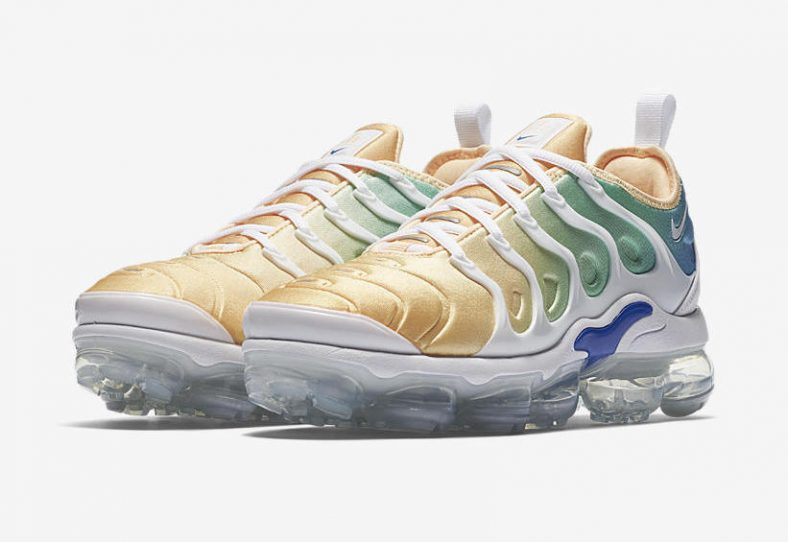 outlet store 4227e a260a Nike WMNS Air VaporMax Plus Tangerine Tint Release Links ...